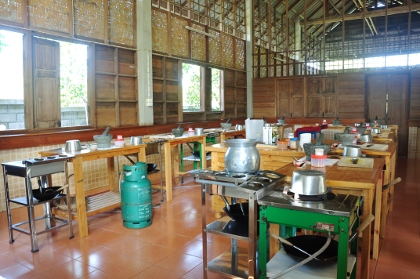Worldly Traveler's Guide | The Chiang Mai Thai Farm Cooking School